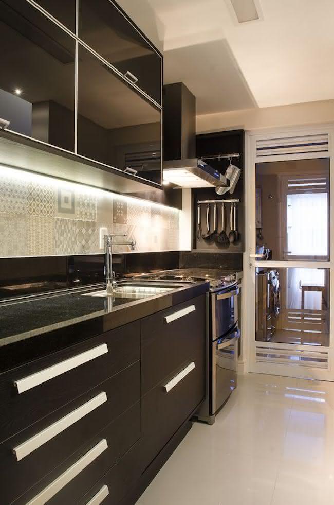 Cozinha planejada preta veja dicas de decorao e 90