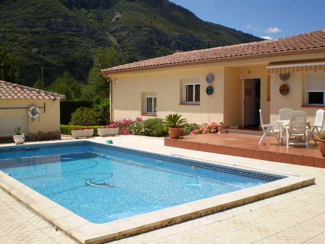 Gandia villas for sale