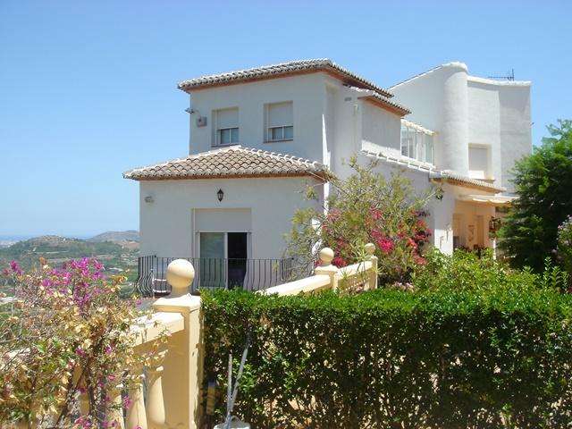 villa-for-sale-Monte-Corona-1321clf 1