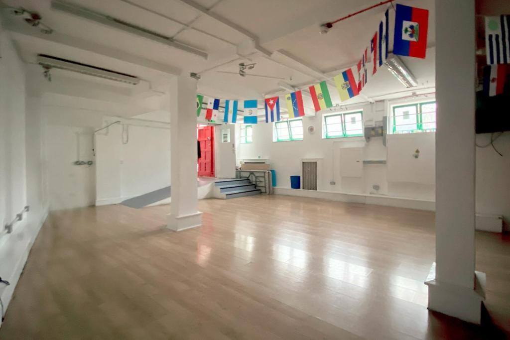 ground floor hall 1
