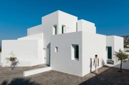 summer-house-in-santorini_kapsimalis-architects_dezeen_936_5