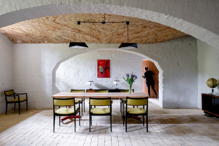 loft-kolasinski-marcin-wyszecki-summer-apartment-near-berlin-28