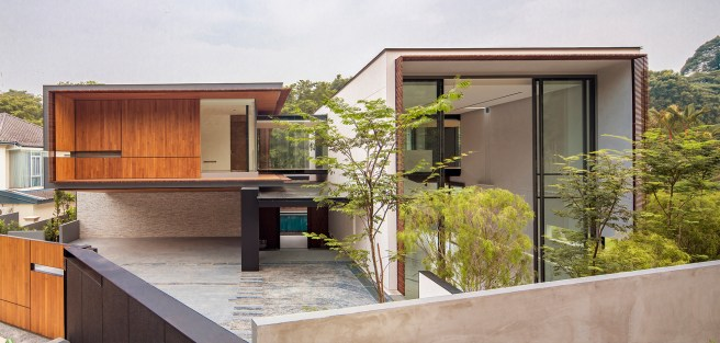 House Off Cluny 03