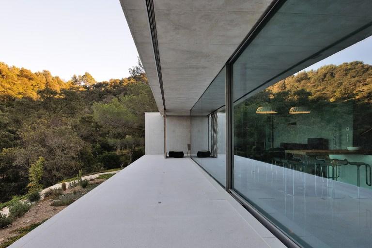 La Mira Ra By Aum Architectes Casalibrary