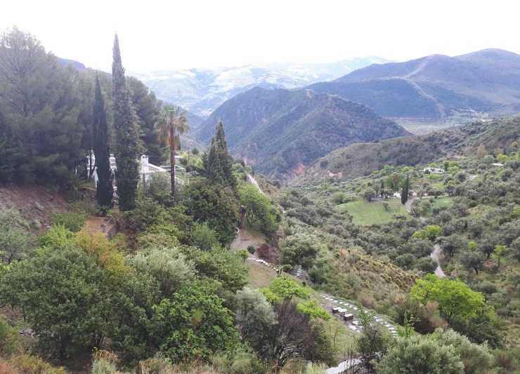 Casa Limón has everything for your perfect vacation, is an authentic rural house located in La Alpujarra.