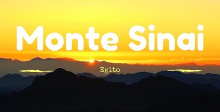 Subindo o Monte Sinai, no Egito