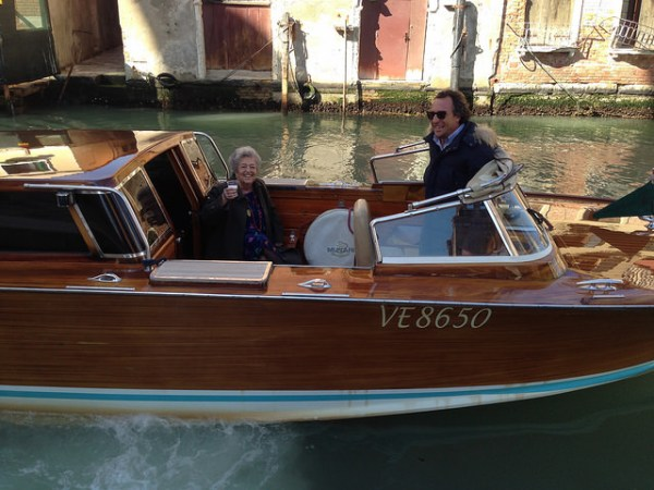 Prosecco on board Vanessa2 Venice · www.italyfoodandwinetours.com