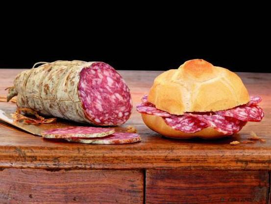 pane e salame sandwich Italy