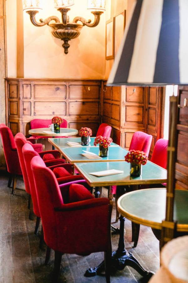Cibreo Cafe Sant Ambrogio neighborhood - girl in florence