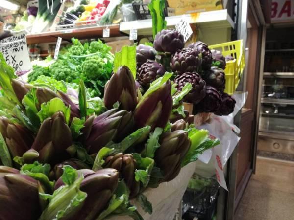 mercato, carciofi, artichokes Bologna day trip