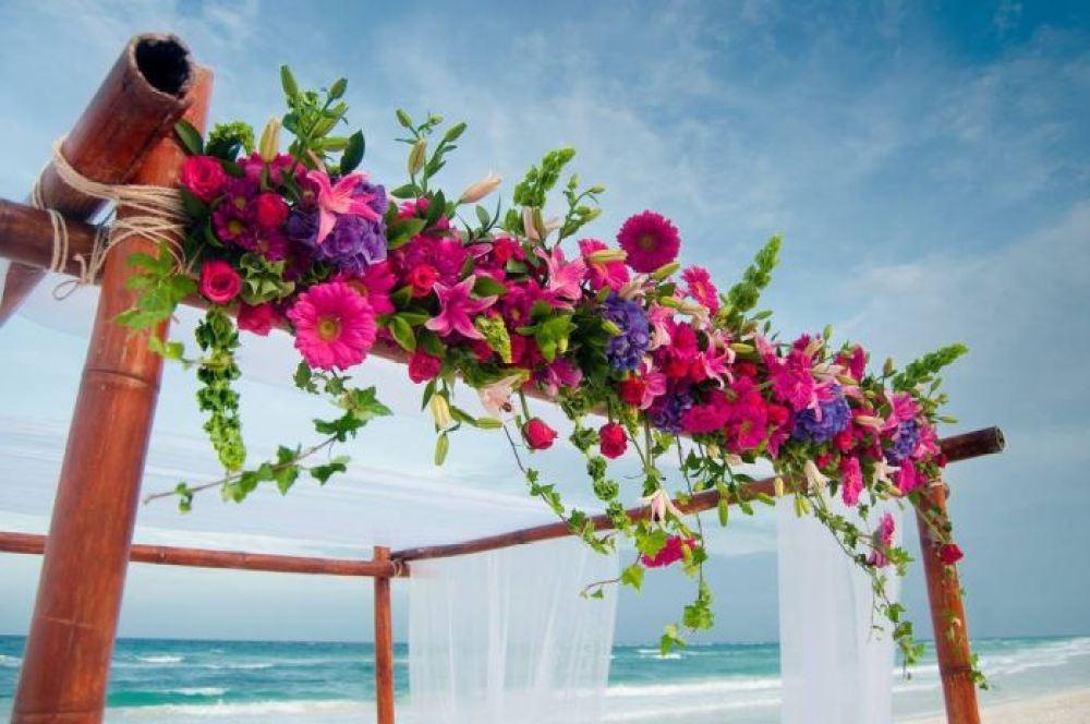 Como economizar com as flores no seu casamento