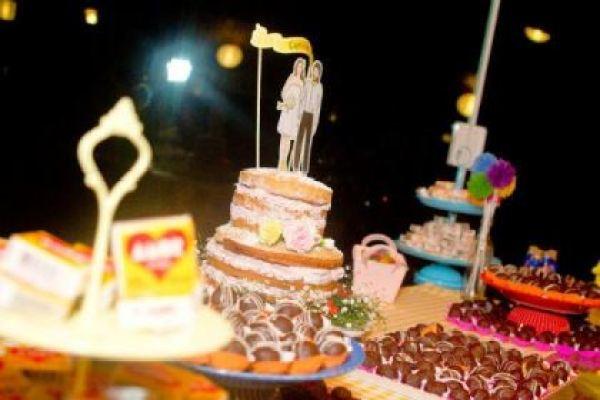 casamento-divertido-descolado-economico-sao-paulo-vestido-de-noiva-curto-all-star (13)