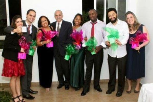 casamento-economico-5-mil-sao-paulo-salao-do-predio-decoracao-lilas (16)
