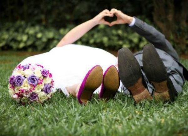 casamento-economico-pequeno-mini-wedding-de-manha-sao-paulo-sapato-roxo-decoraca-roxa-e-lilias (16)