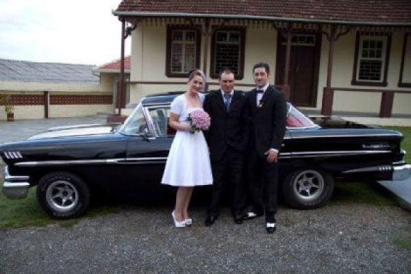 casamento-economico-retro-anos-50-curitiba-parana-vestido-de-noiva-curto-festa-salao-da-igreja (22)