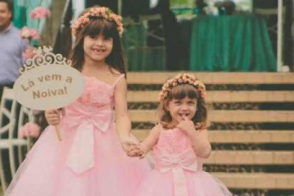 casamento-100-pessoas-mini-wedding-litoral-sao-paulo-azul-e-rosa-praiano-faca-voce-mesmo (22)