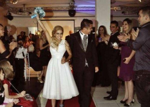 casamento-economico-azul-e-marrom-sao-paulo-festa-open-bar-sapato-azul (12)