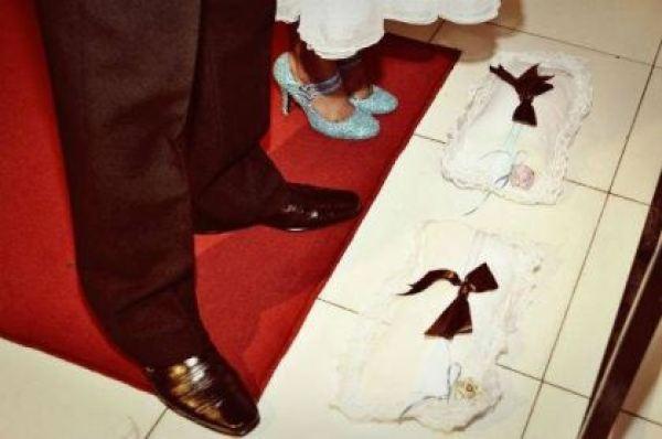 casamento-economico-azul-e-marrom-sao-paulo-festa-open-bar-sapato-azul (4)