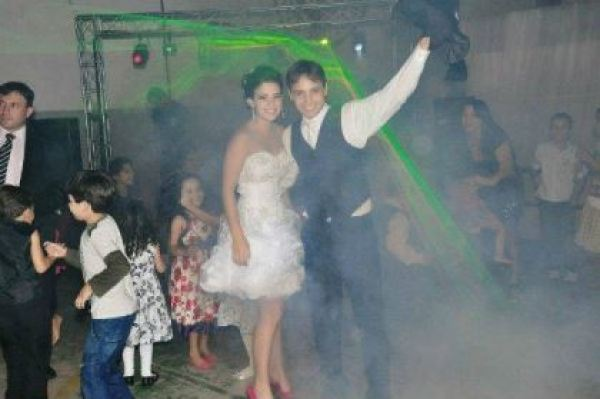 casamento-economico-espirito-santo-decoracao-rosa-e-branco-7500-reais (22)