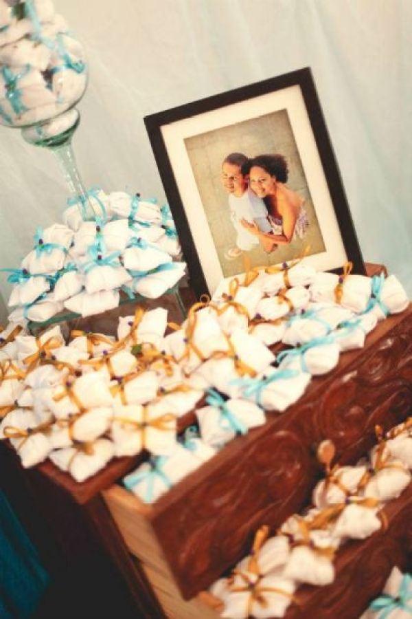 casamento-economico-interior-bahia-decoracao-sem-flores-azul-e-marrom (33)
