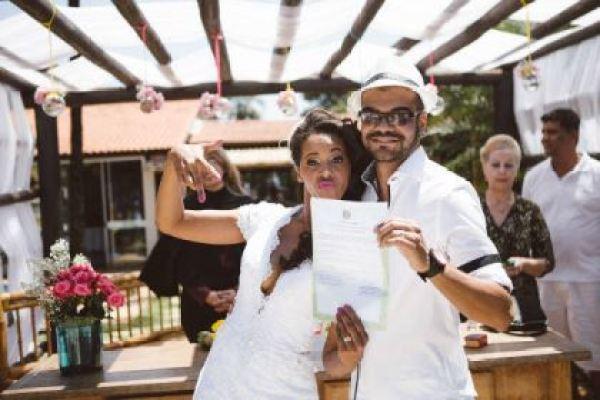 casamento-economico-diy-faca-voce-mesmo-menos-15-mil-colorido-ao-ar-livre-de-manha (27)