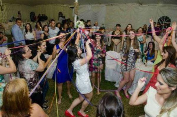 casamento-economico-minas-gerais-ao-ar-livre-divertido (2)