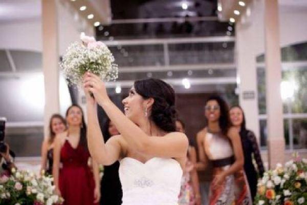 casamento-economico-sao-paulo-flores-rosa-naked-cake-caseiro (12)