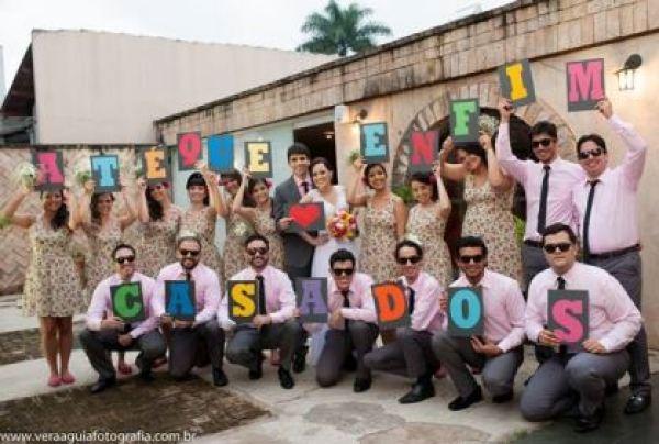 coracoes-coloridos-casamento-colorido-ar-livre-fernanda-e-rafael (27)