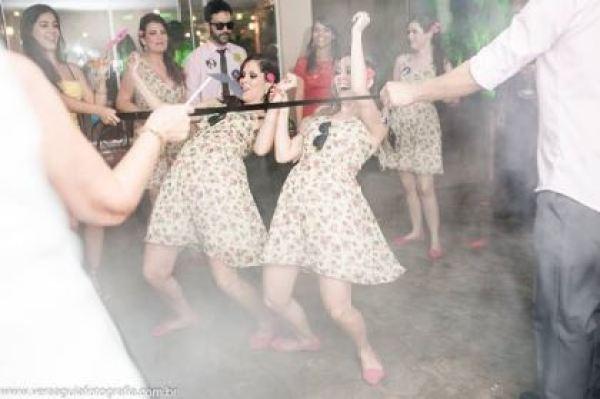 coracoes-coloridos-casamento-colorido-ar-livre-fernanda-e-rafael (32)