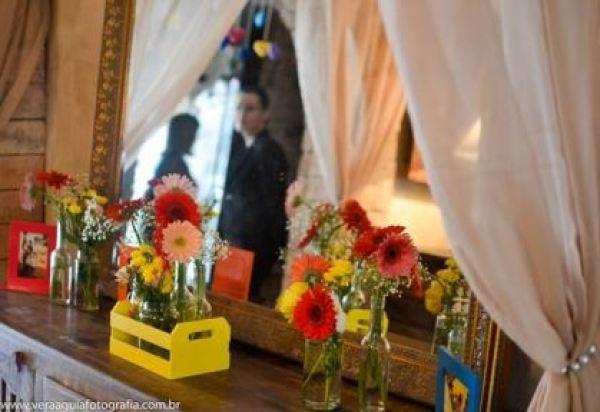 coracoes-coloridos-casamento-colorido-ar-livre-fernanda-e-rafael (5)