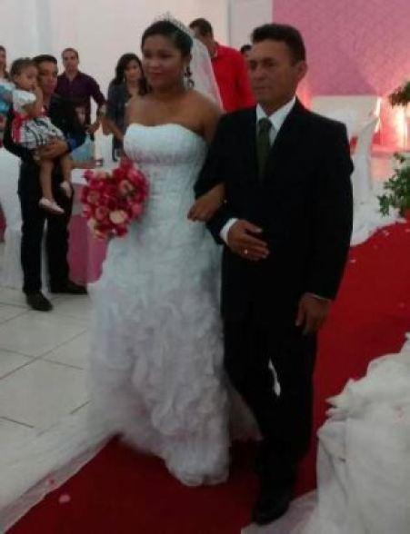 casamento-economico-Ionara-Vando-7-mil-casando-sem-grana (3)
