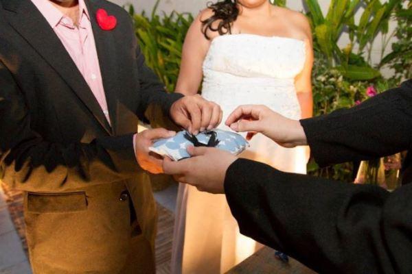 Casamento econômico Danielle e Neil