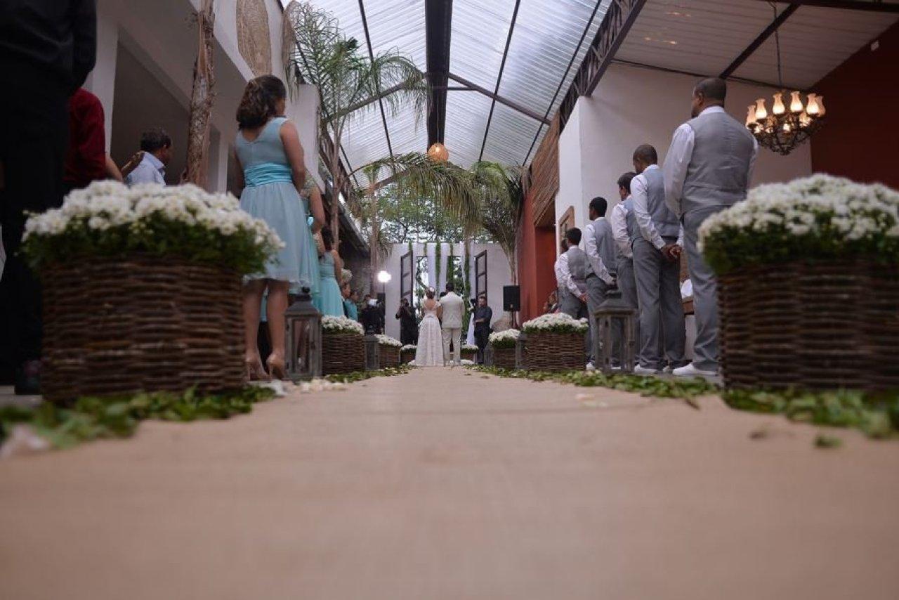 Casamento real e econômico - Dayane e Rafael em Suzano, São Paulo