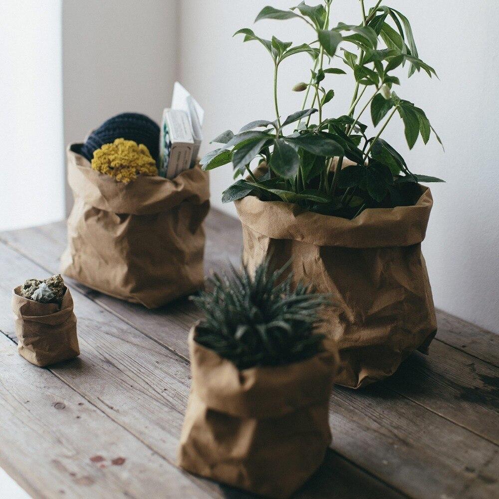 jarrones con bolsas de papel