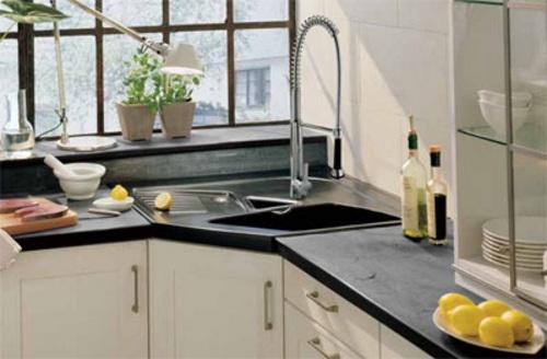 Aprovechar espacio en la cocina fregaderos en esquina - Aprovechar cocinas pequenas ...