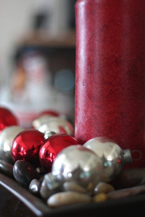 centro-de-mesa-navidad-velas-bolas