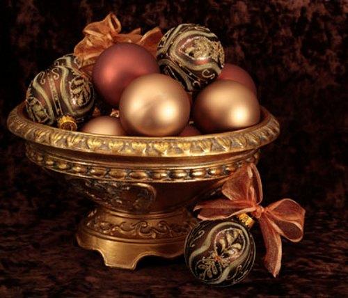 centro-mesa-navidad-bolas-adornos-lazos