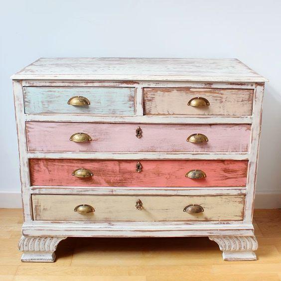 Organizar la casa con muebles e ideas alegres y originales - Comodas originales ...