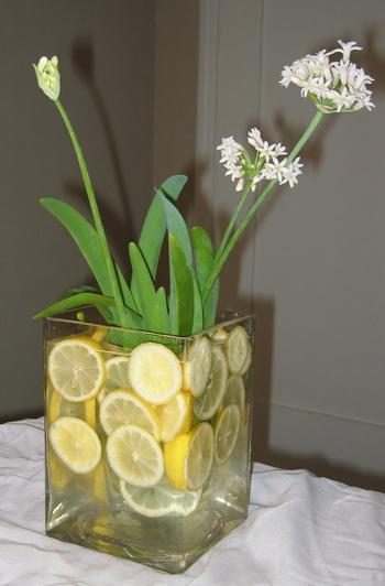 Decoraci n de centros de mesa y arreglos florales con frutas - Centros de mesa con limones ...