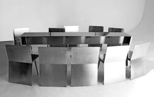 monolith-mesa-y-sillas-para-ahorrar-espacio-6