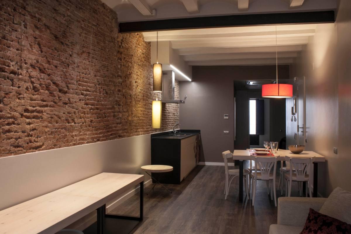 Reforma de un antiguo edificio en barcelona for Reformas de pisos antiguos