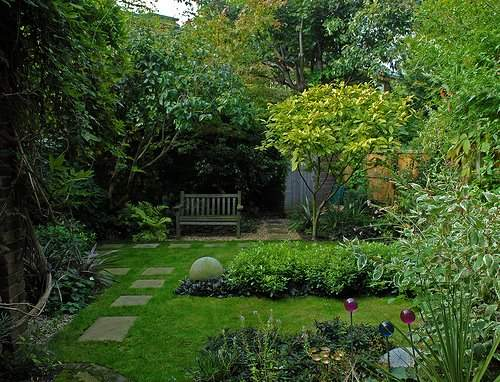 C mo hacer un sendero en el jard n de casa - Como preparar un jardin en casa ...