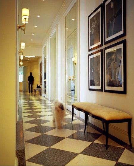 Tips tiles iluminaci n de pasillos corredores y for Pasillos con encanto