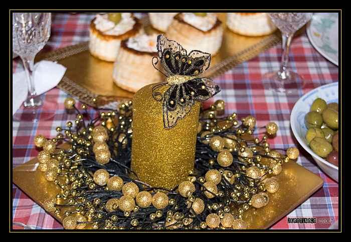 vela-mariposa-dorado-bayas-plato