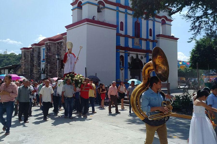 Casa Parada Mezcal  Cultura Identidad Religin y Culto