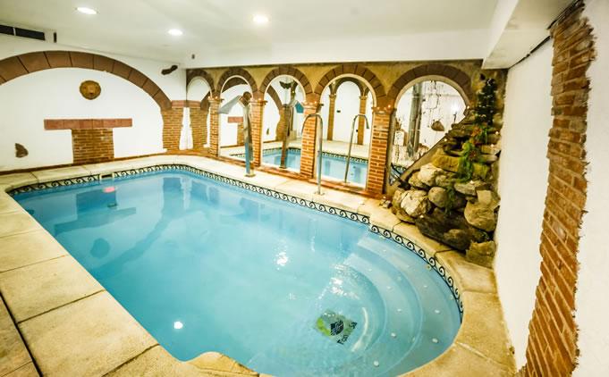 Casa rural spa la chirumba piscina y spa casa rural spa la chirumba - Casa rural salamanca jacuzzi ...