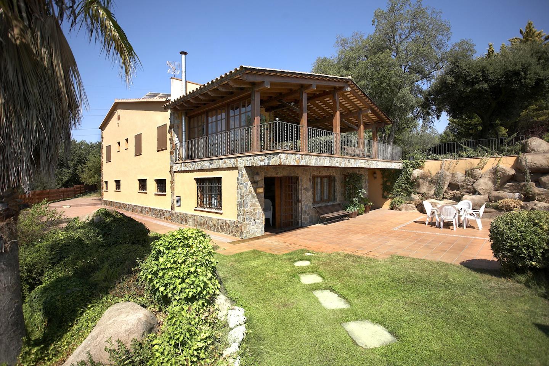 Finca y Casa Rstica en Venta de 40000 m2 cerca de