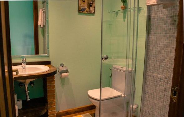 Baño habitación la Llosa