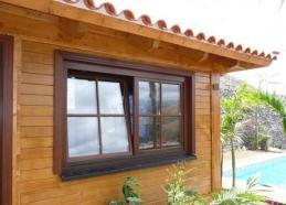 ventana de madera de Casas Carbonell