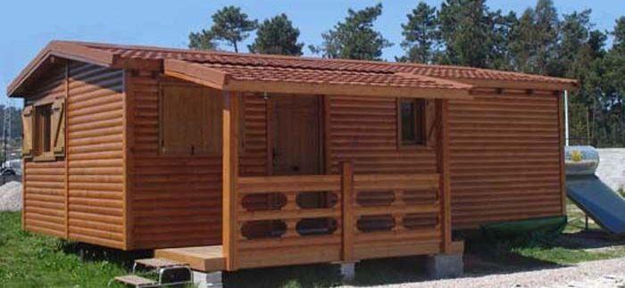 Barnizar casa madera carpato de Casas Carbonell